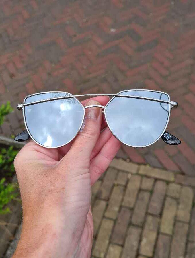 zonnebril met beugel grijs spiegel