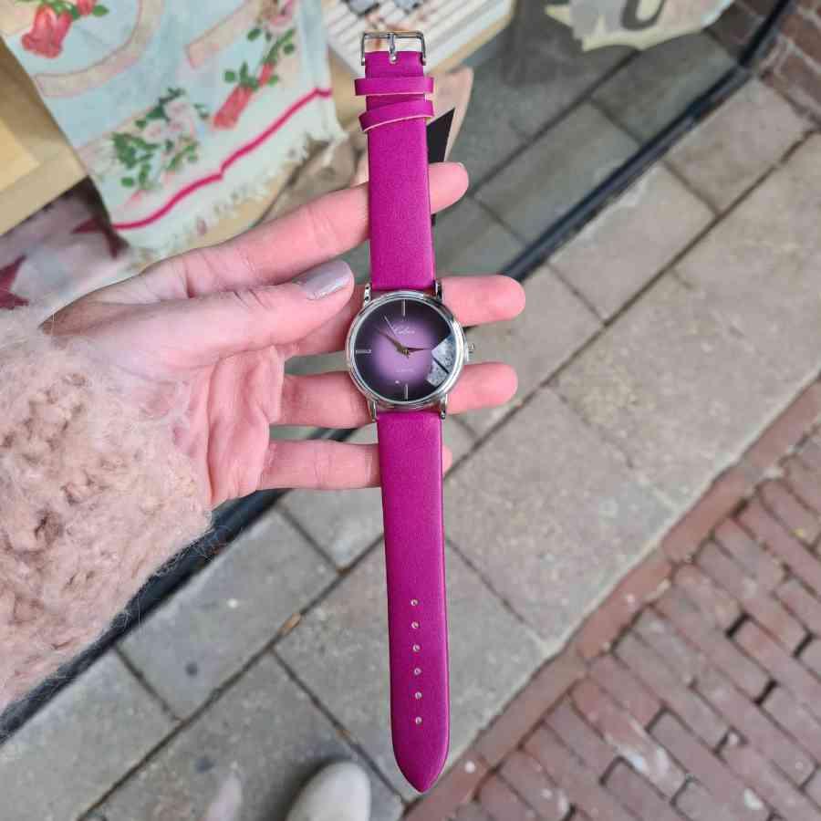 paars roze horloge