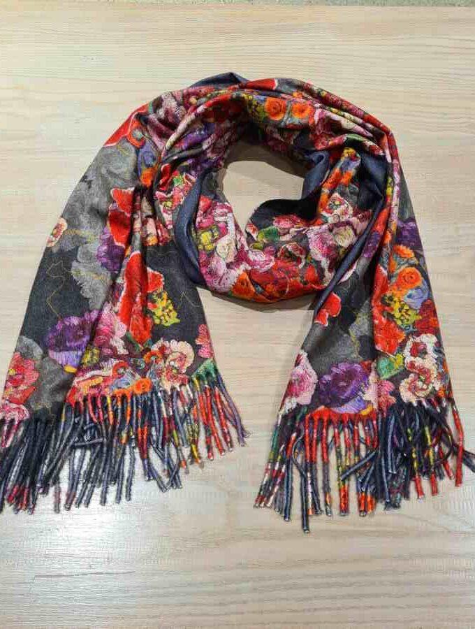 Sjaal bloemen grijs zacht