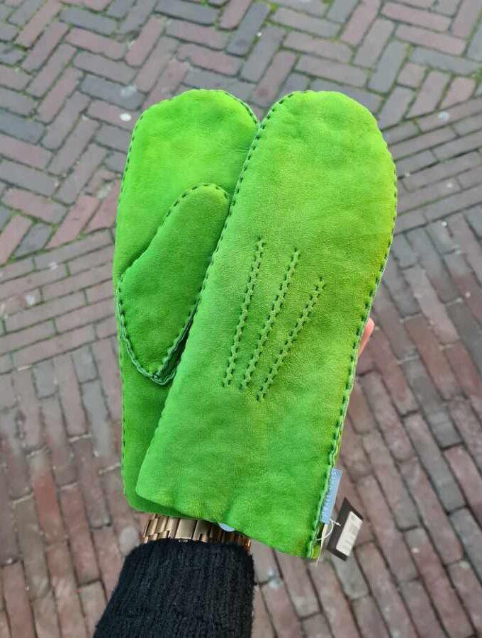 Wollen wanten lamswol groen