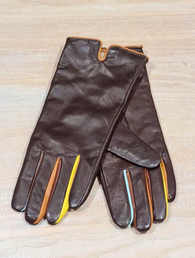 bruine leren handschoen gekleurde vingers