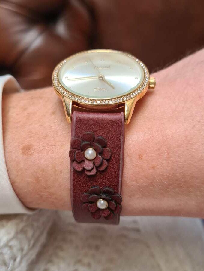 horloge parels bloemen