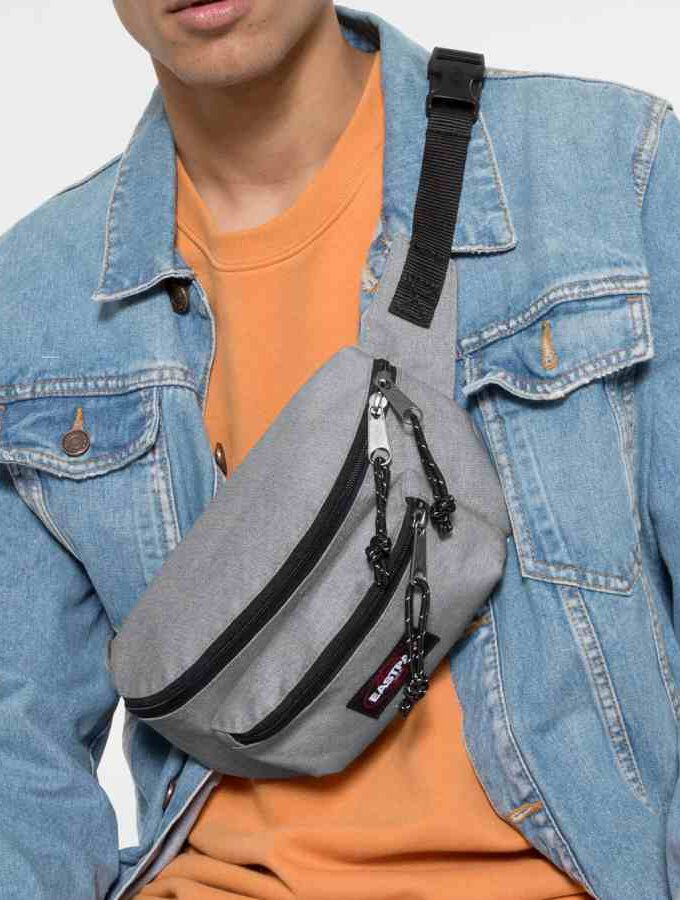 Eastpak Doggy Bag heuptas Sunday Grey crossbody