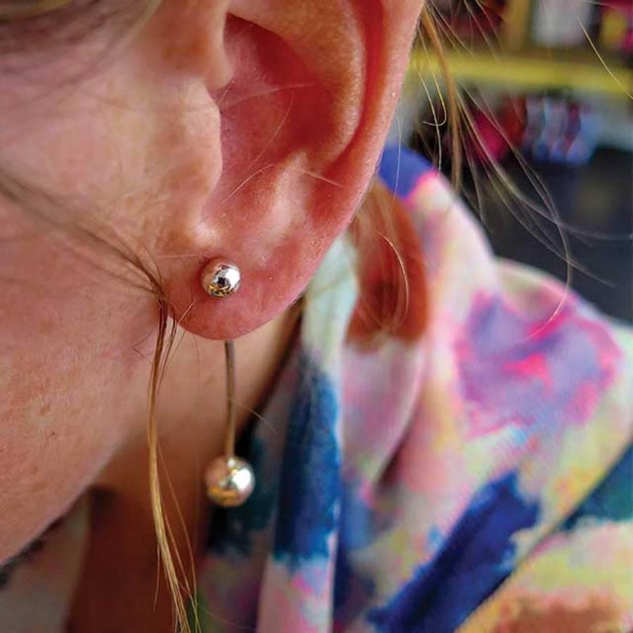 oorhanger staaf zilver met bollen