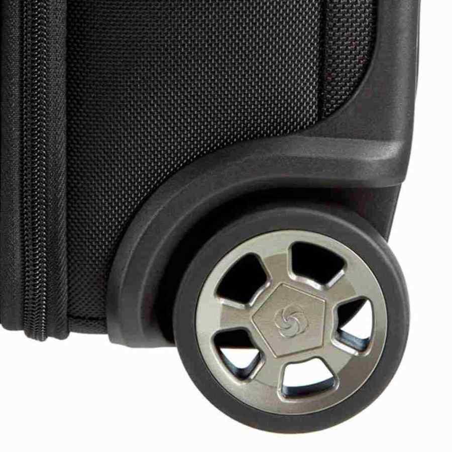 Samsonite Pro-DLX 4 Garmentbag on Wheels detail