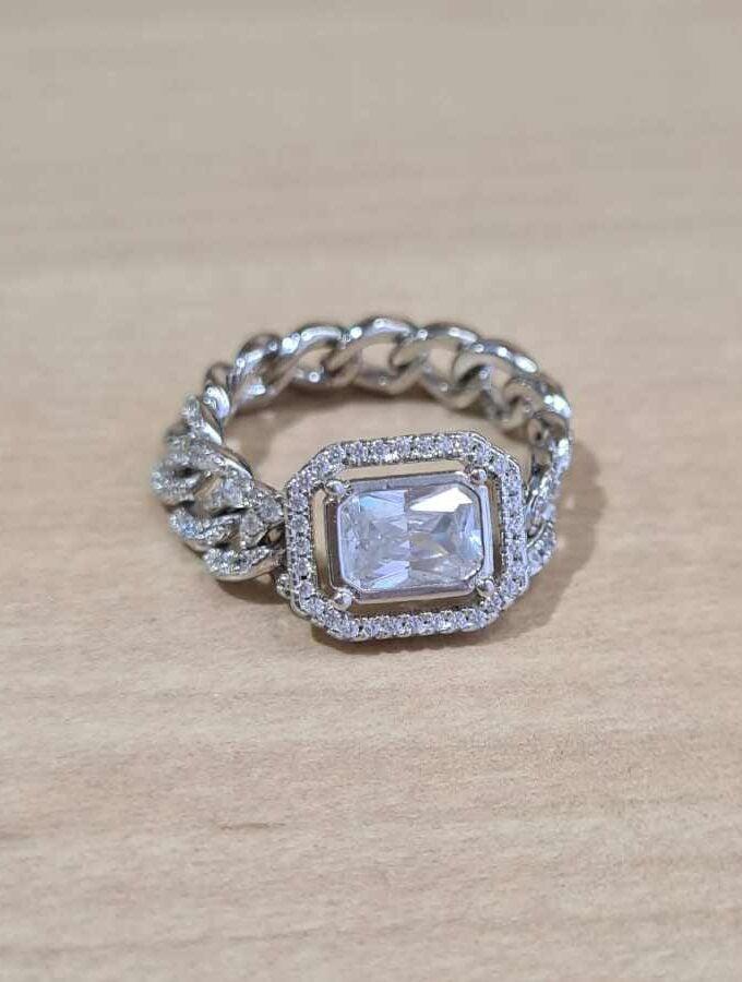 Zilveren ring met kabels en grote steen
