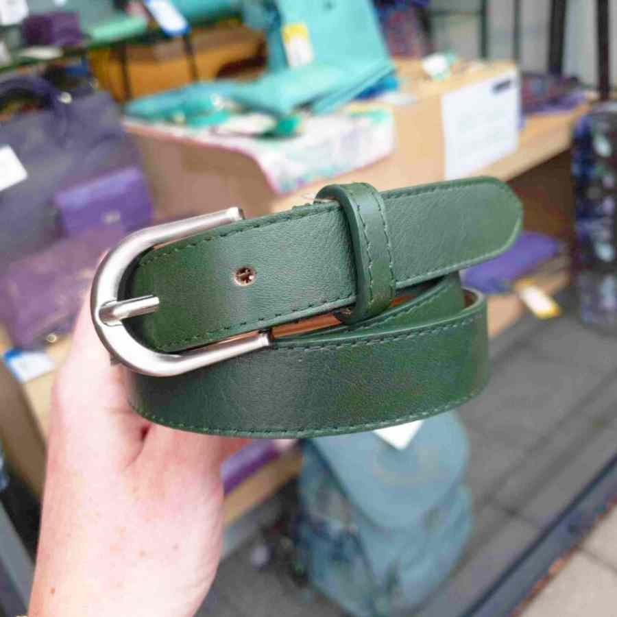 Leren riem 25mm zilveren gesp in groen