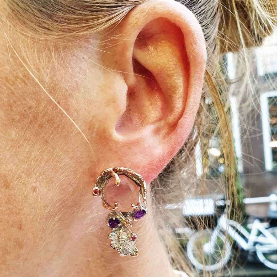 Zilveren oorsteker met echte stenen rozenkwarts