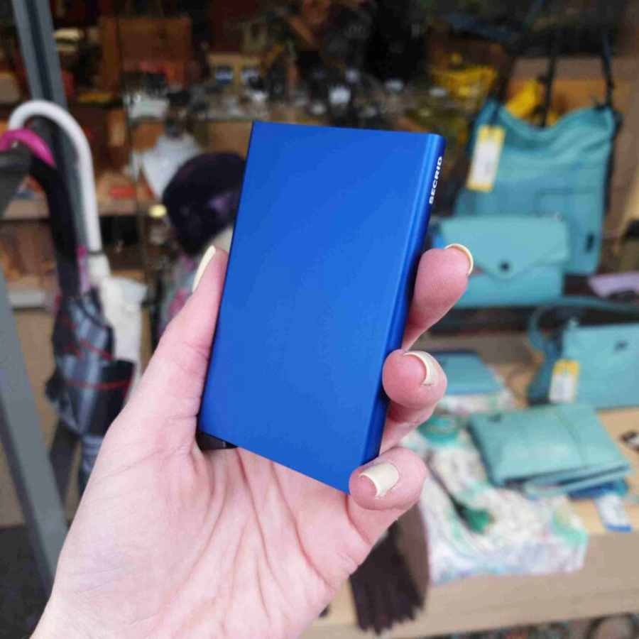 Secrid Cardprotector Blue Aluminium zijkant