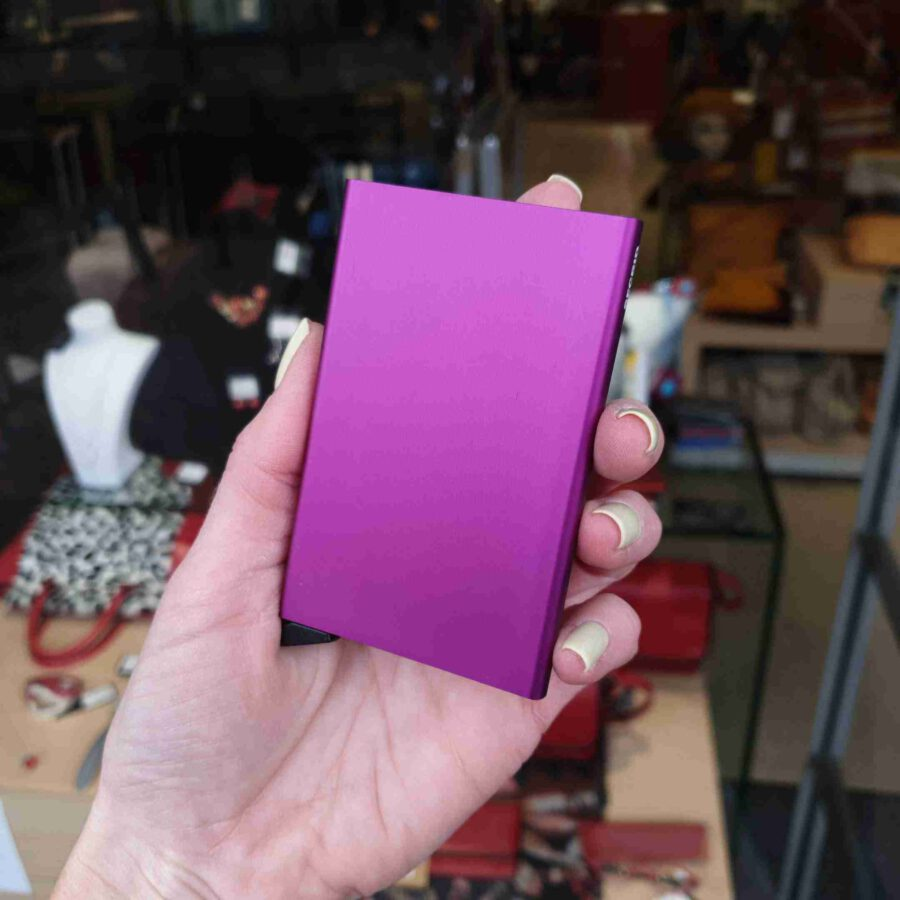 Secrid Cardprotector in C-Violet paars roze
