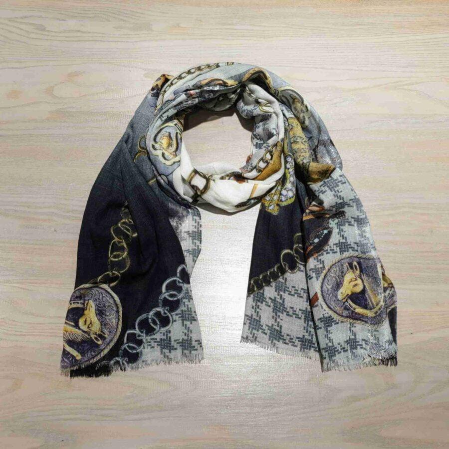Sjaal wol met lurex met print paarden en kabels