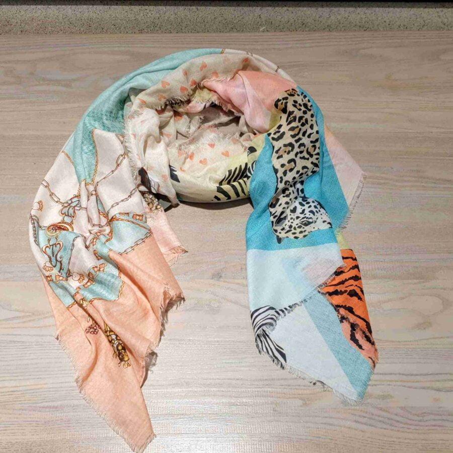Sjaal van katoen met dieren en hartjes