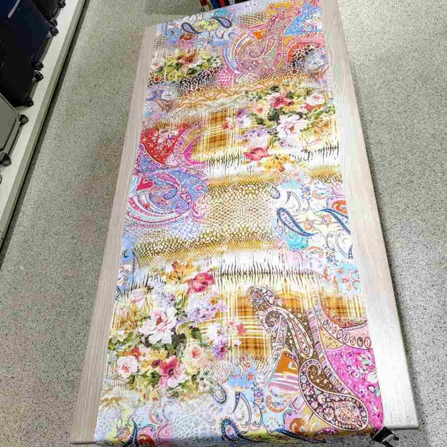 Zachte sjaal echt zijde met bloemen en paisley