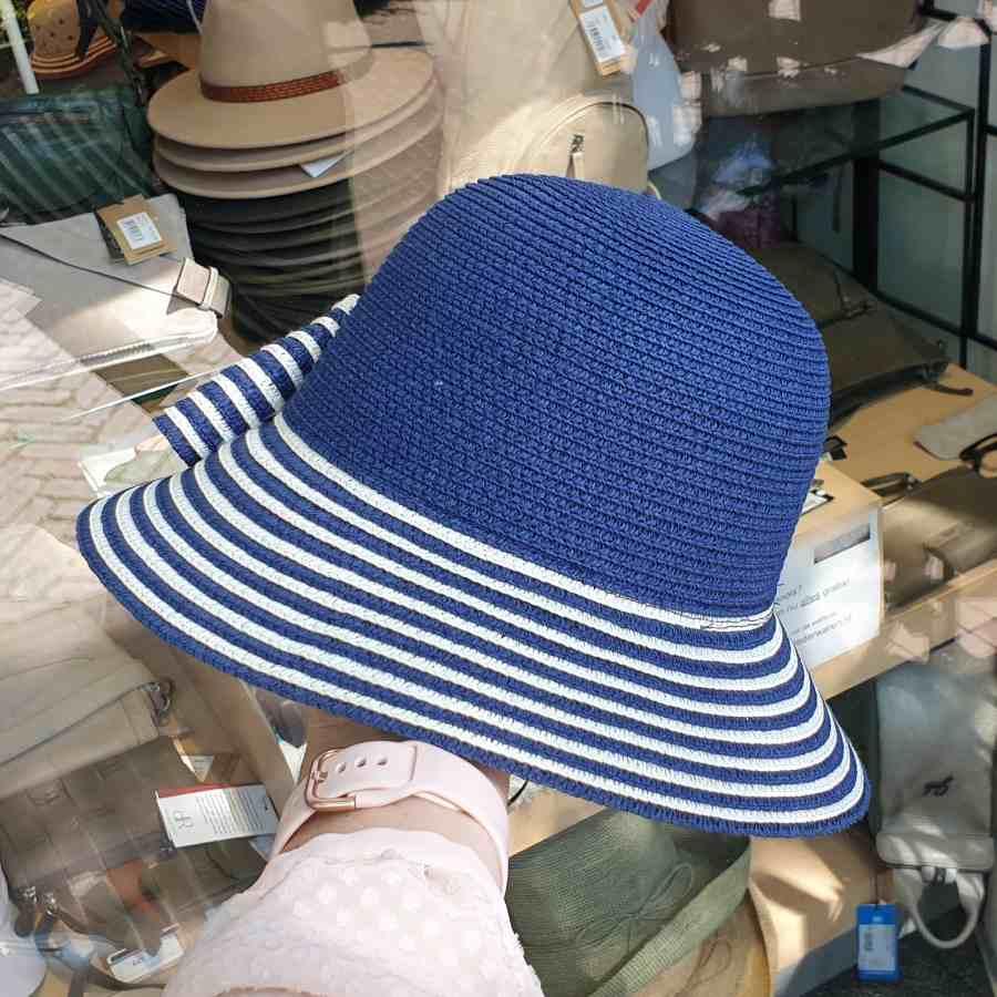 hoed strepen blauw
