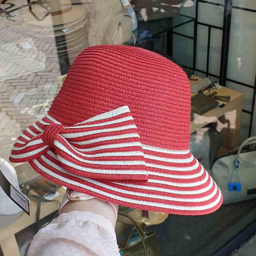 rode hoed strik strepen