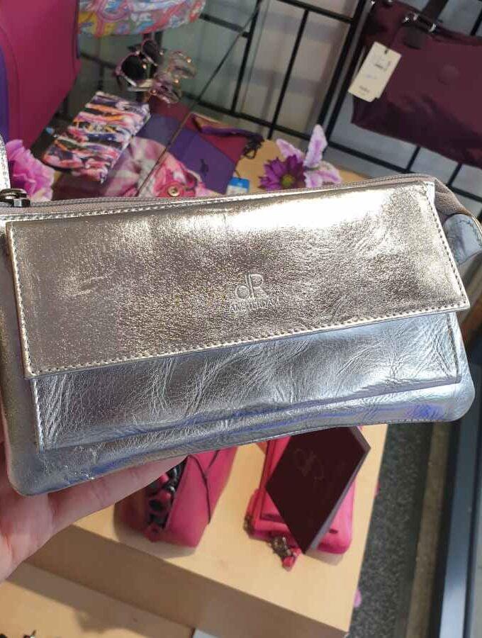 Clutch grote portemonnee voorvak zilver