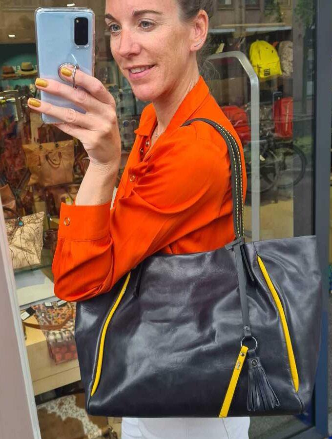 Donkerblauwe shopper leer berba gele voering