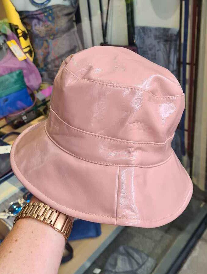 regenhoed lak roze