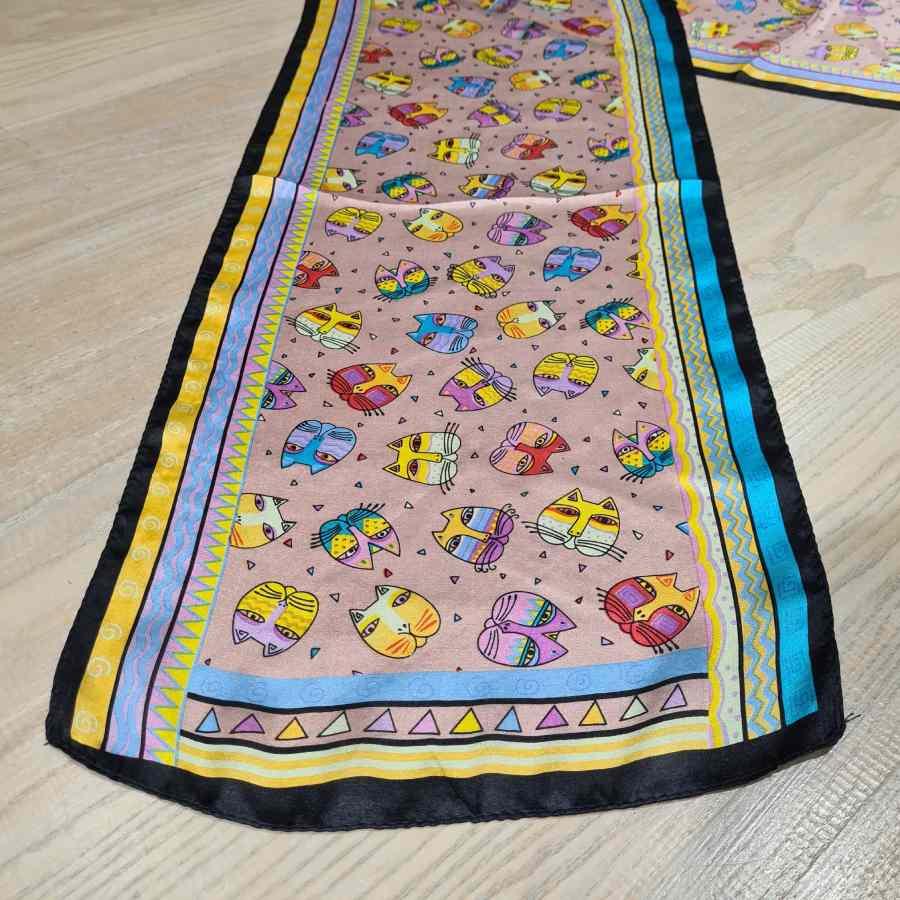 Smalle zijden sjaal met katten