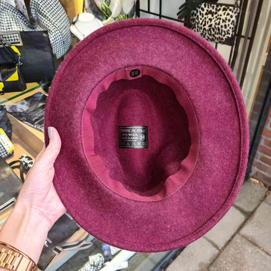 Wollen hoed donkerrood