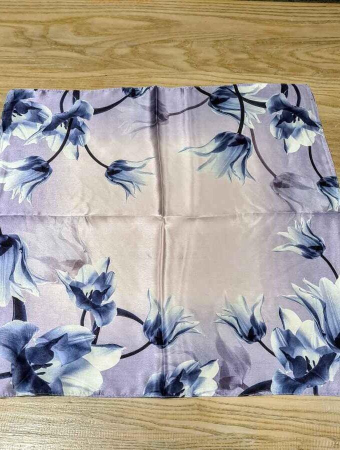 Zijden sjaal lila met bloemen