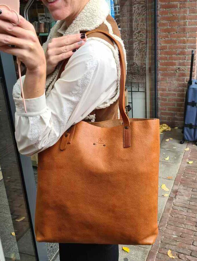 Cognac leren Shopper met rits DR Amsterdam