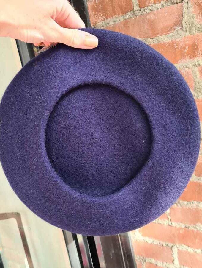 Donkerblauwe baret echt wol