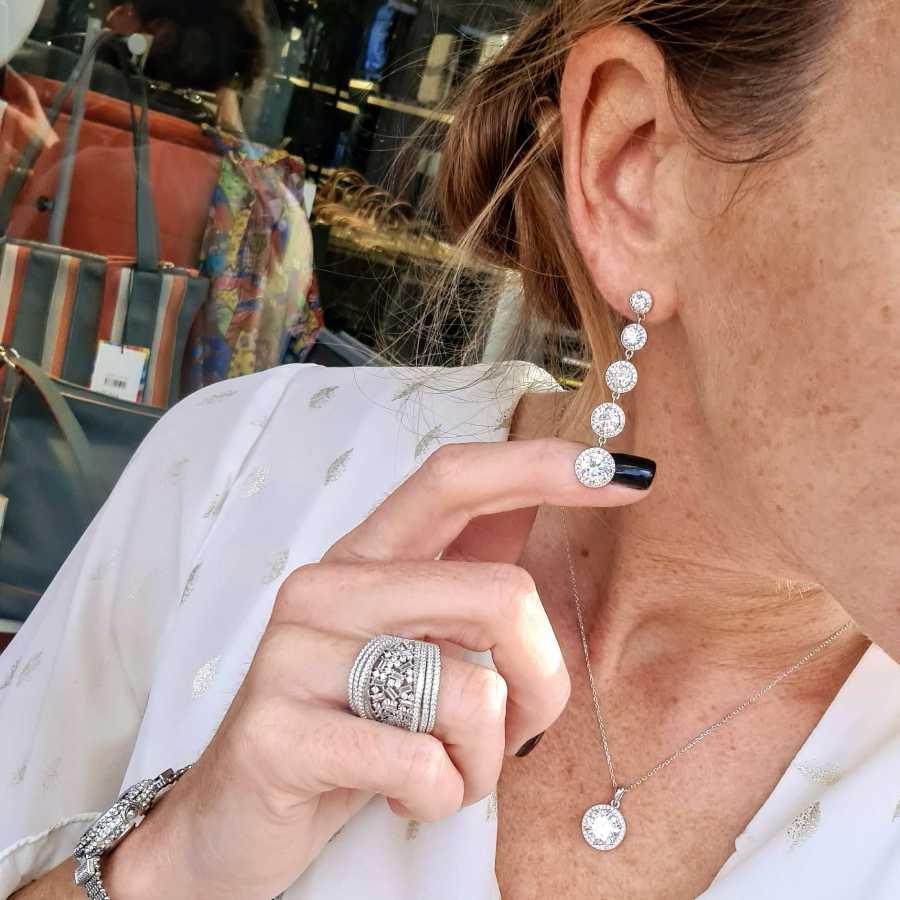 Lange oorbellen grote stenen zirkonia