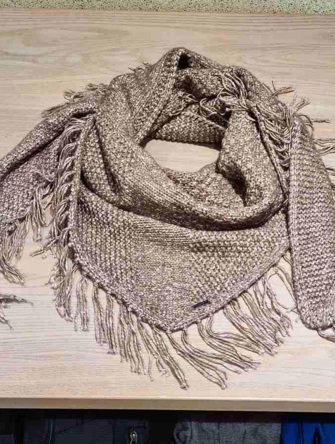 Omslagdoek sjaal franjes gehaakt driehoek