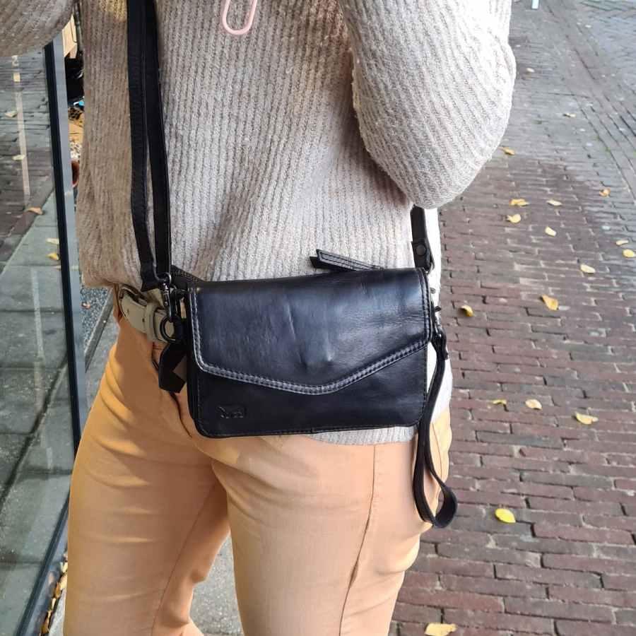 Tasje Zwart dames met klep Bear Design