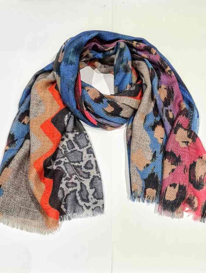 Wollen sjaal dierenprint en strepen