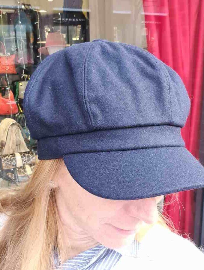 Blauw petje dames met klepje en elastiek