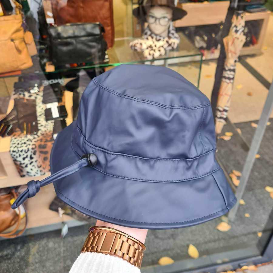 Regenhoedje donkerblauw met zachte voering fleece