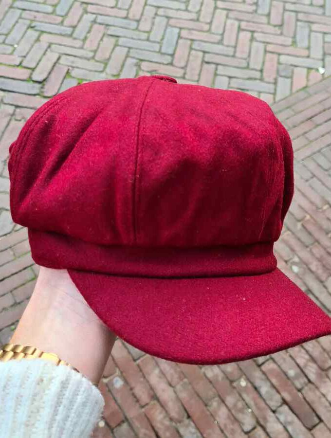 Dames pet winter bordeaux rood met wol