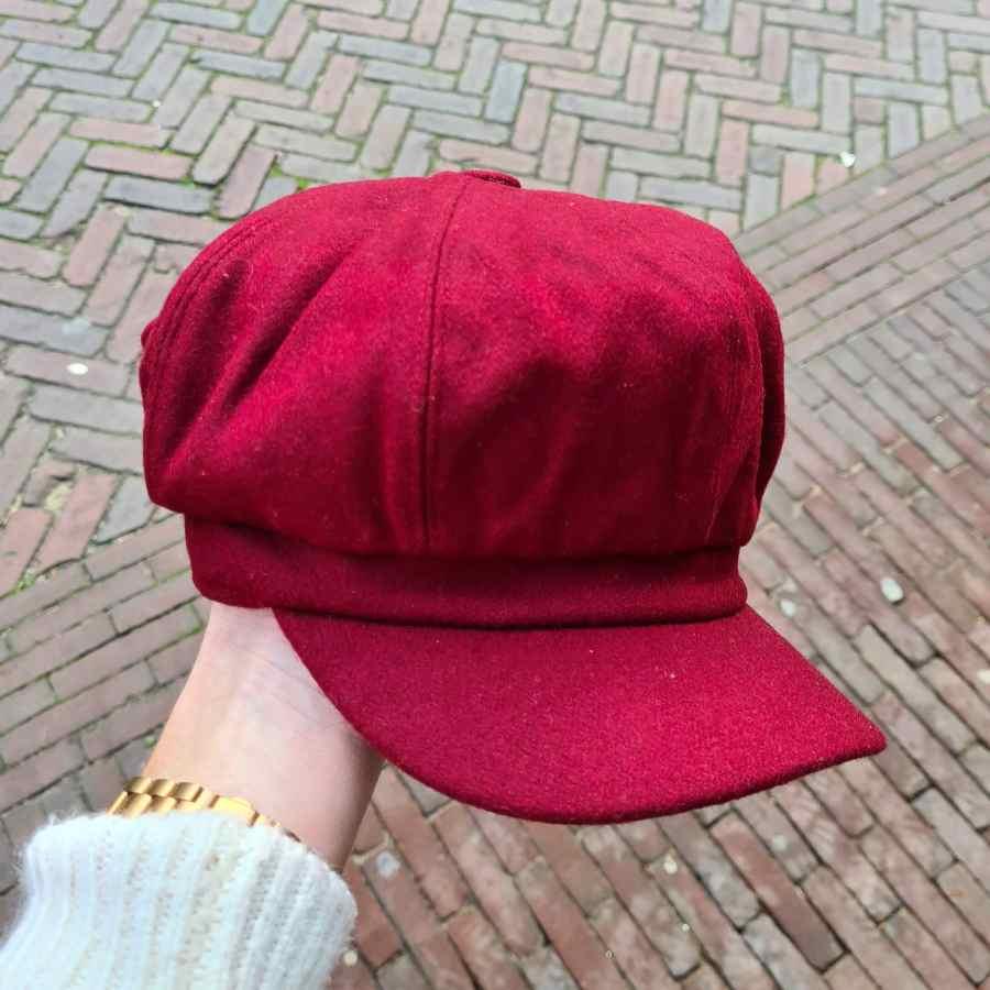 Dames pet winter bordeaux rood met wol