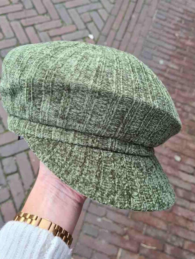 Groen petje dames met klep strepen
