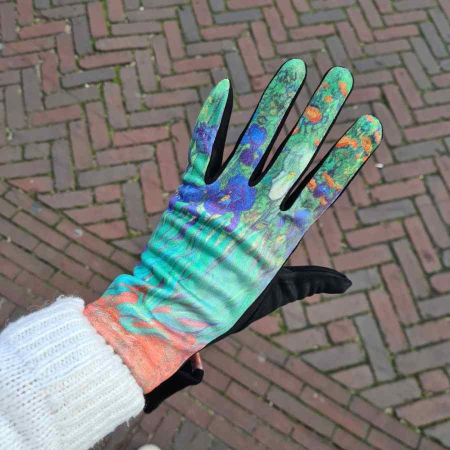 Handschoenen schilderij Van Gogh Irissen
