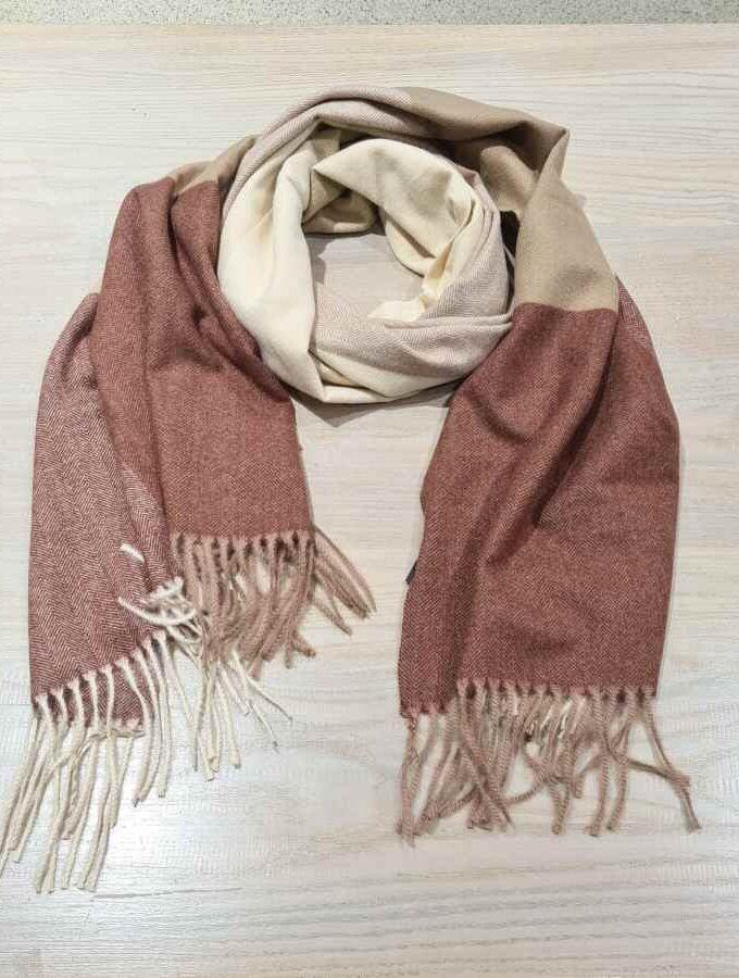 beige sjaal vlakken