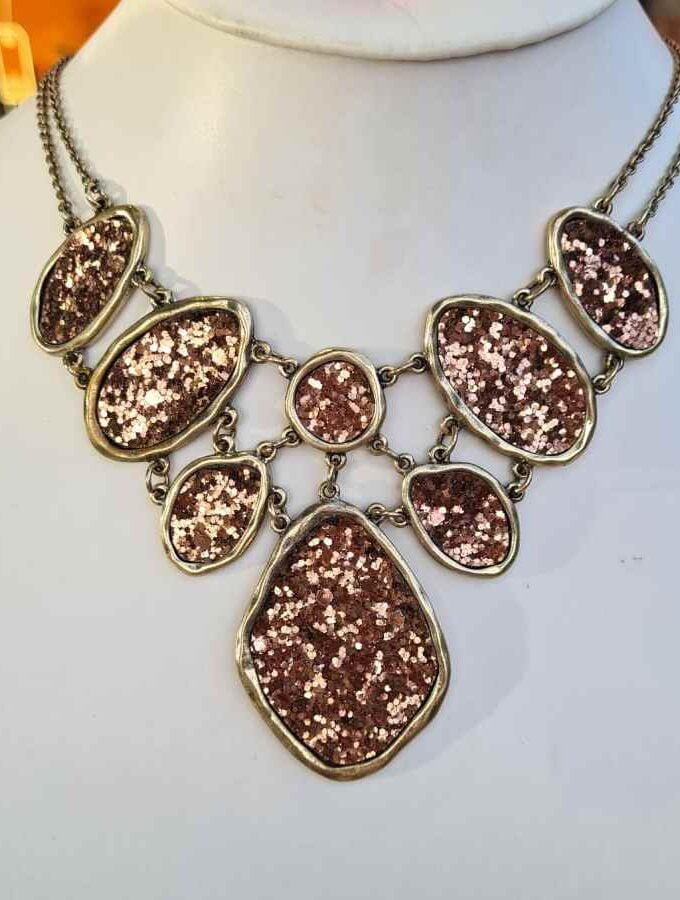 Opvallende ketting brons collier glitter