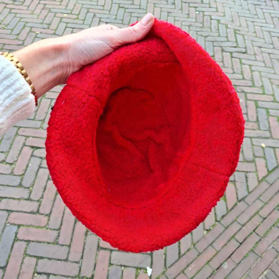 Regenhoed rood dik gevoerd