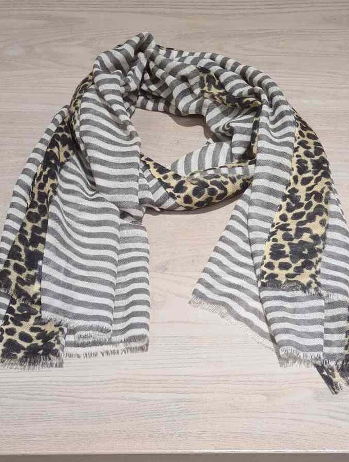 Wollen sjaal strepen en dierenprint