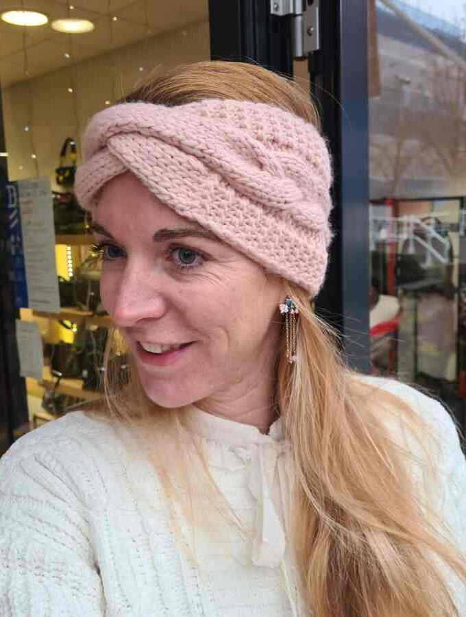 Hoofdband dames winter gevlochten roze
