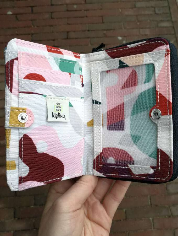 Kipling Money Love gekleurde print