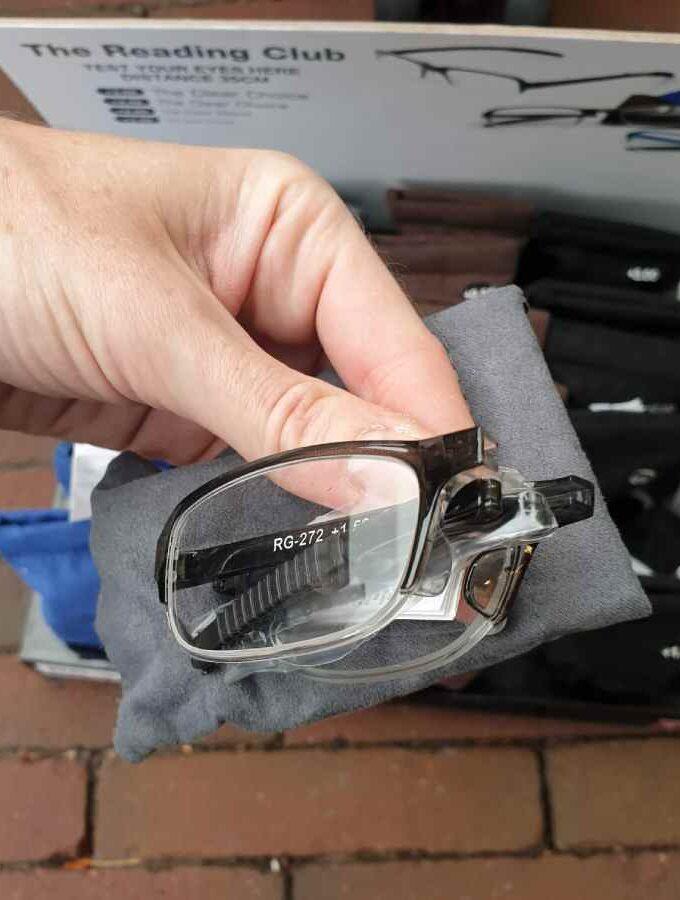 Opvouwbare leesbril kniphoesje in donkergrijs