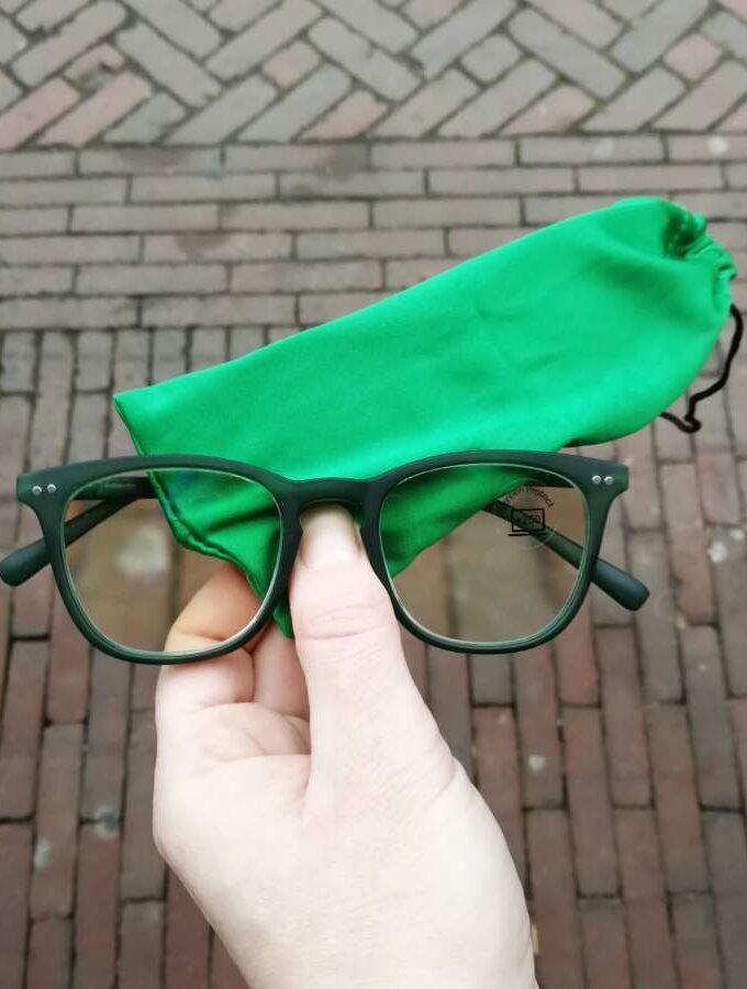 Groene leesbril blauw filter
