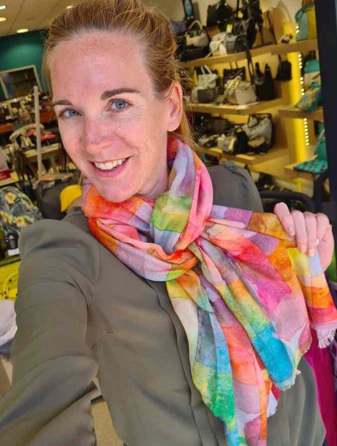 gekleurde sjaal modal