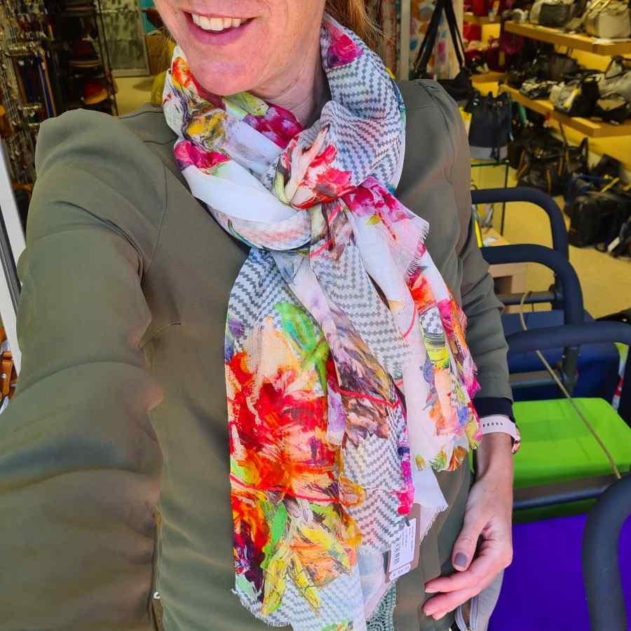 kleurrijke sjaal bloemen