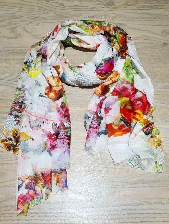 sjaal bloemen kleur