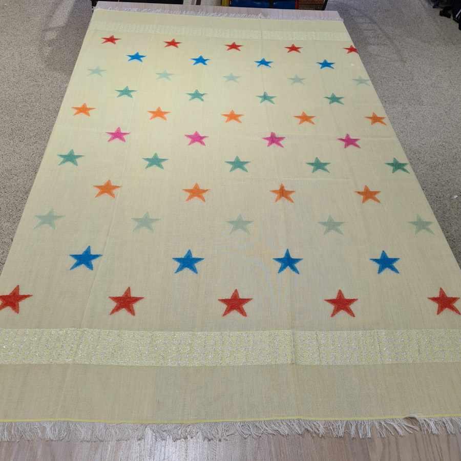 sjaal gekleurde sterren geel licht