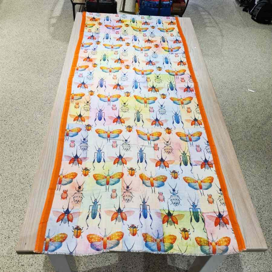 sjaal modal met print insecten
